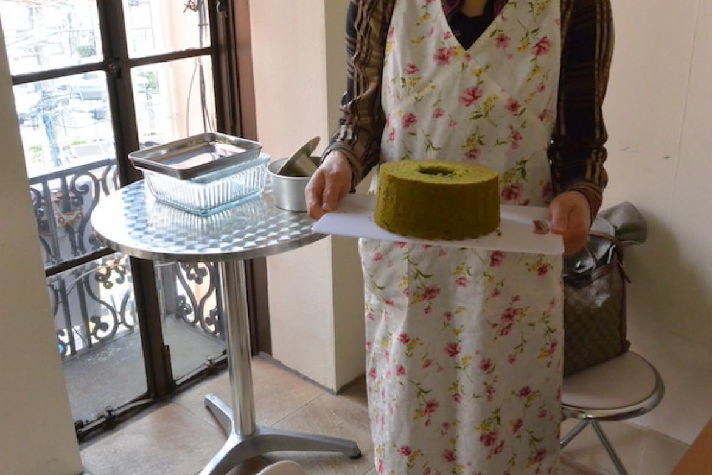 高級感ある抹茶シフォンケーキ、特別な手みやげにどうぞ