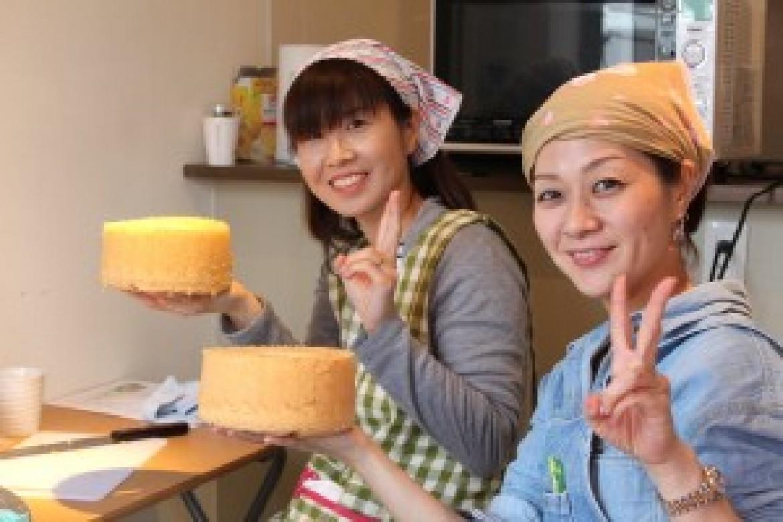 青山 天使のしふぉん シフォンケーキ教室、本日のバニラシフォンケーキ大成功でした!!