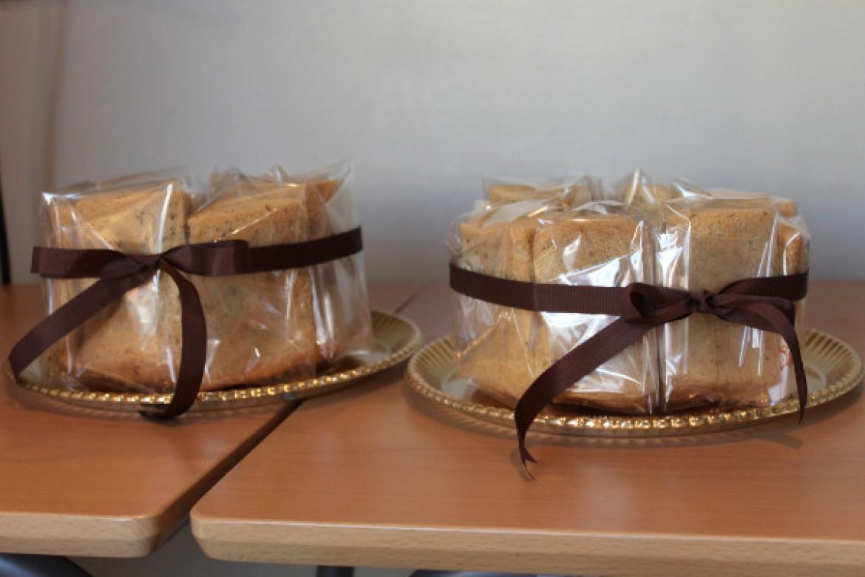 シフォンケーキ教室、紅茶シフォンケーキはカットラッピングで完成です