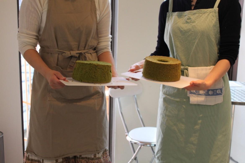 京都産宇治抹茶を使用したふわふわシフォンケーキ、焼き上がりました