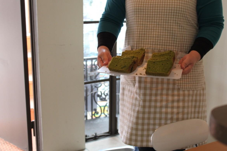 基礎クラス 抹茶シフォンケーキ、京都産高級宇治抹茶の鮮やかな色彩と香りを楽しみます