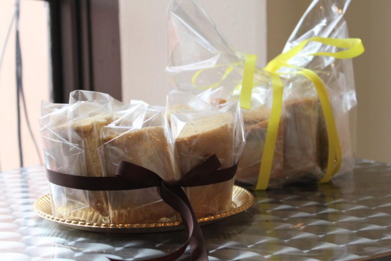 シフォンケーキ教室 プライベートレッスン、2種類のシフォンケーキを可愛らしくラッピングして完成です!