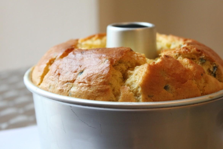 今月の季節シフォンは、「お食事グリーンオリーブ&チーズシフォン」でした