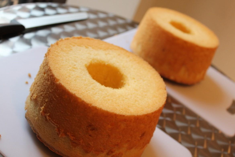 一晩たつとシフォンケーキが小さくなったような気がします。どうしてですか?