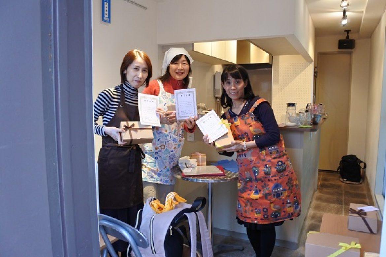 青山天使のしふぉん シフォンケーキ教室修了おめでとうございます!