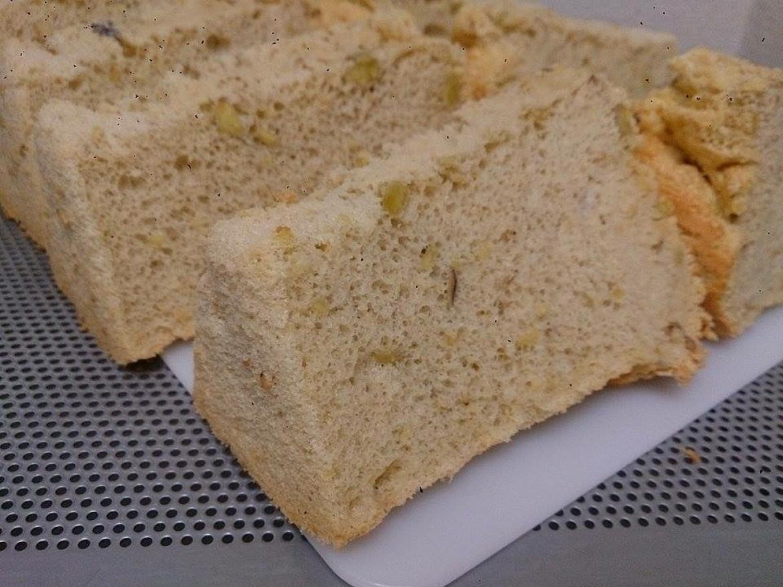 修了生の方から、秋の味覚さつまいもを使ったシフォンケーキのお写真をお送りいただきました♪