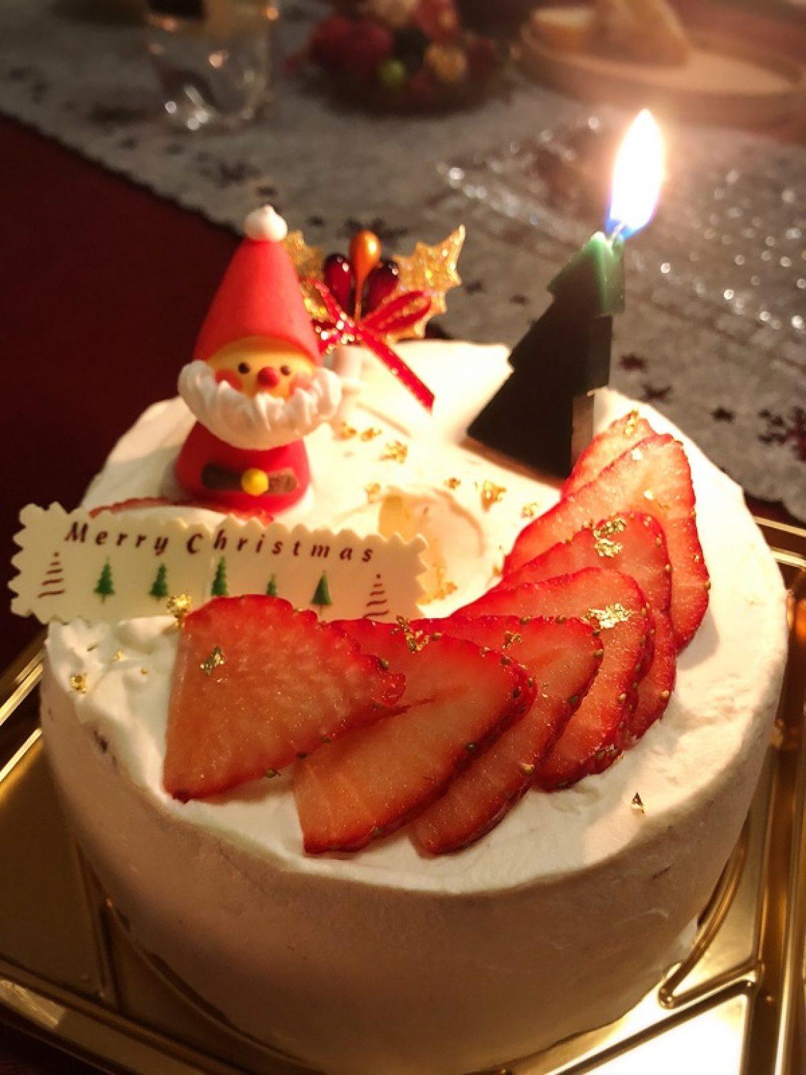 修了生の方からシフォンケーキで作った素敵なクリスマスケーキのお写真を頂戴しました!